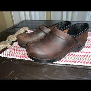 Dansko antique brown shoes size 40/10